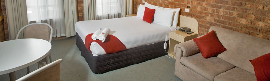 At Courtyard Motor Inn, we offer 25 comfortable rooms at affordable rates.